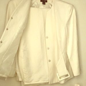 Brand new beautiful white linen 2 piece suit